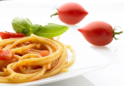 San Giovanella con pomodori Fiaschetto di Torre Guaceto, piatto realizzato e fotografato da noi per il nostro Archivio