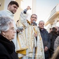 la benedizione degli animali sul sagrato della Chiesa di Sant'Antonio Abate a Nòvoli (LE)