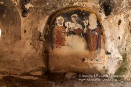 La Chiesa rupestre di San Nicola all'Ofra. Gli affreschi sono ottocentesch
