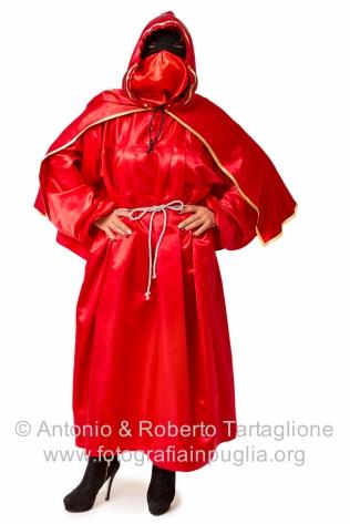 Emma Spennacchio, nel suo costume di domino rosso