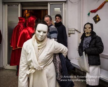 La modernità porta alla contaminazione con altre tipologie di maschere carnascialesche.