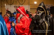 """Un """"festino"""" con le tipiche maschere di Lavello, i Domini ..."""