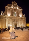 Francavilla Fontana (BR), Centro Storico, sera del Giovedì Santo, tradizionale pellegrinaggio dei ''Pappamusci'', anno 2011