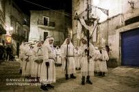 Vico del Gargano (FG), Processione del pomeriggio del Venerdì Santo detta l'Agonia. Anno 2016. https://fotografiainpuglia.org/2016/03/14/la-settimana-santa-in-puglia/