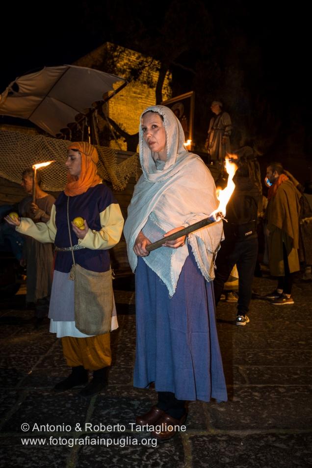 Bari (BA) - Festa Patronale di San Nicola Il Corteo Storico la sera del 7 maggio parte del Castello Svevo e traversa il Centro di Bari