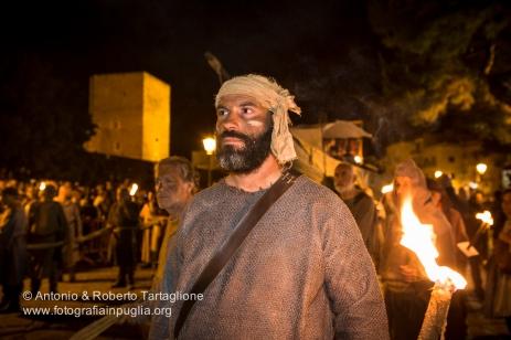 Bari (BA) - Festa Patronale di San Nicola Il Corteo Storico la sera del 7 maggio parte del Castello Svevo e traversa il Centro di Bari.