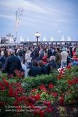 """Bari (BA) - Festa Patronale di San Nicola Folla sul lungomare di Bari il 09 maggio in attesa dello sbarco della Statua di San Nicola dal Motopeschereccio """"Nicolaus"""""""