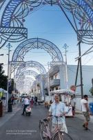 Scorrano (LE) - nella Piazza del paese l'accensione anticipata alle 20,15 crea un suggestivo spettacolo.