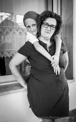 Elena Di Napoli con il figlio Antonio. (Foto agosto 2014)