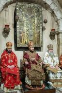 domenica 21 maggio 2017. Liturgia ortodossa nella Cripta della Basilica di San Nicola, celebrata dal metropolita Hilarion Alfeev (al centro), presidente del dipartimento delle relazioni esterne del Patriarcato di Mosca.