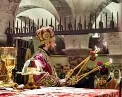 domenica 21 maggio 2017. Liturgia ortodossa nella Cripta della Basilica di San Nicola, celebrata dal metropolita Hilarion Alfeev, presidente del dipartimento delle relazioni esterne del Patriarcato di Mosca.