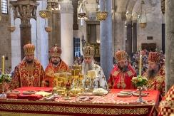 lunedì 22 maggio 2017, il Metropolita di Saratov e Wolski, Longin, (al centro)presiede la liturgia ortodossa nella Basilica di San Nicola a Bari