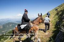"""Lagonegro (PZ) La faggeta finisce ed il sentiero percorre il cosidetto """"pilatu"""", la parte scoperta del montagna."""