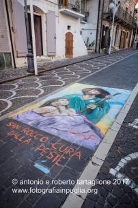 """13 agosto 2016, per le strade di Tolve i """"Madonnari"""" allestiscono le loro opere"""