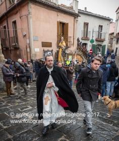 Pignola (PZ), 17 gennaio 2018, festa di Sant'Antonio Abate, la benedizione degli animali prima della corsa
