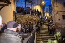 La processione del Miserere, intorno alle 5 della mattina del Venerdì Santo