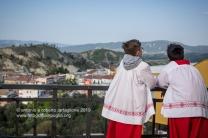 https://fotografiainpuglia.org/2019/05/03/le-vie-dei-canti-a-santarcangelo/ Prima della processione del Venerdì Santo a Sant'Arcangelo (PZ)