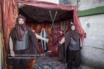 Tursi (MT), Il Presepe Vivente, edizione 2019, ambientato nelle strade del quartiere della Rabatana. Immagine realizzata poco prima dell'apertura al pubblico.