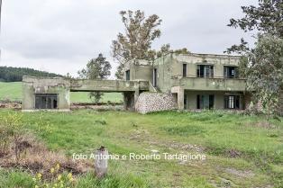 Case della Riforma Fondiaria sulla Bradanica, nel territorio di Matera