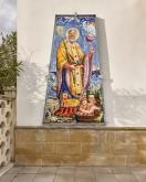 Casalabate (LE) - Mosaico sulla facciata della Chiesa di San Nicola, raffigurante un miracolo del Santo. - firmato AG