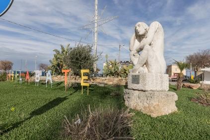 Casalabate (LE) - scultura di Mario Cazzetta